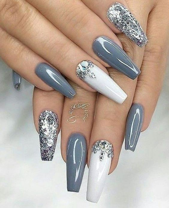 31 Awesome Diamond Nail Designs and Ideas