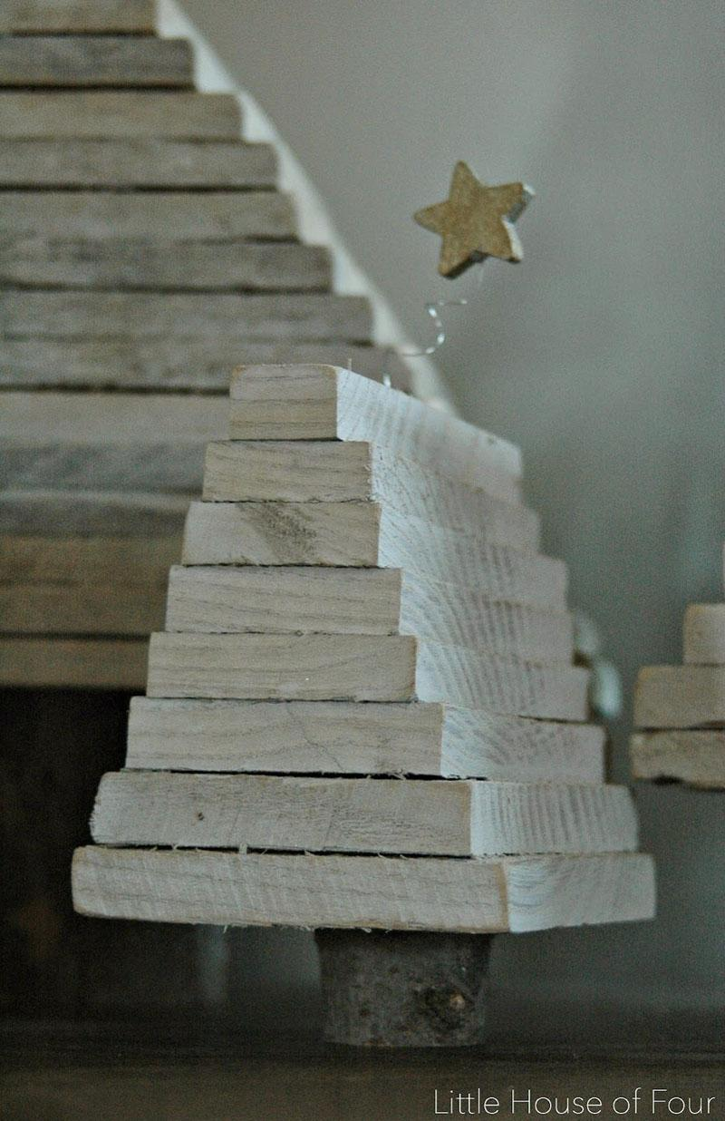 30 Creative DIY Pallet Christmas Tree Ideas  For Your Inspiration