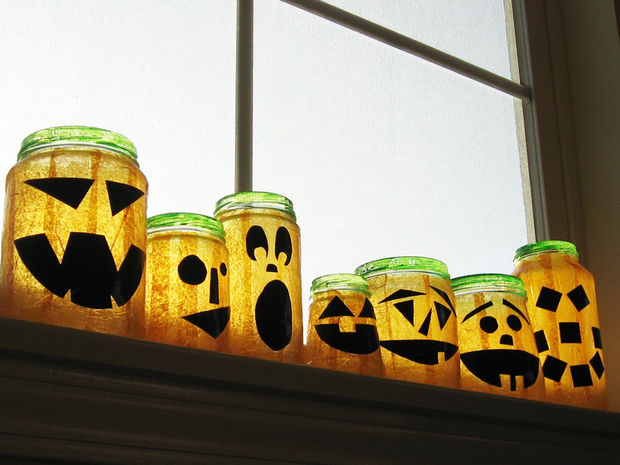 36 Creative DIY Mason Jar Crafts for Halloween to Inspire You