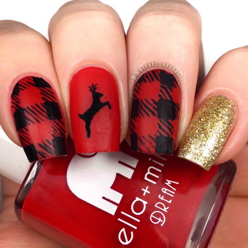 40 Festive Christmas Nail Art Designs You Must Try
