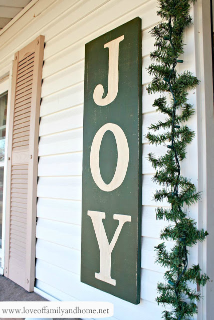 35 Creative and Unique DIY Christmas JOY Signs