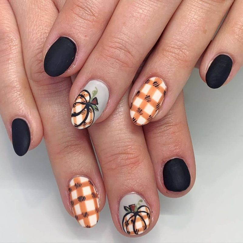 62 Trendy Thanksgiving Pumpkin Nail Art Designs to Try Right Now
