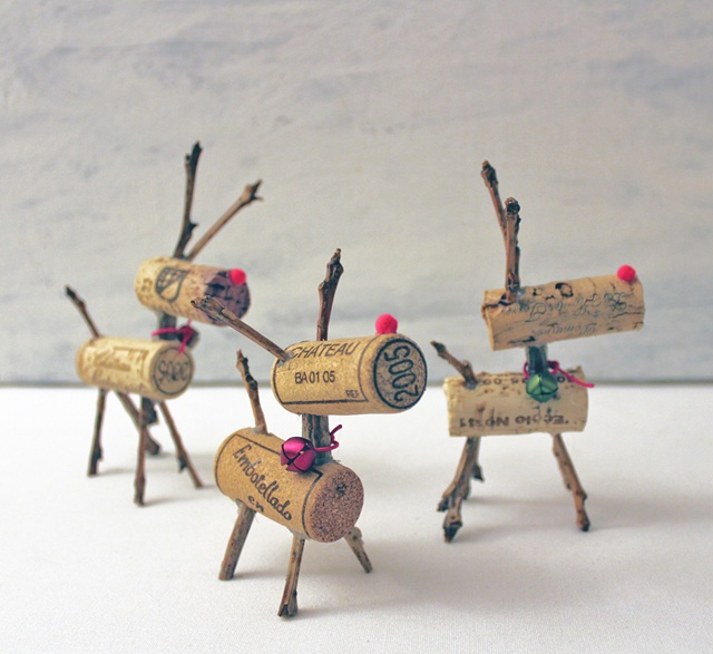 46 Genius Christmas Decorations Made from Recycled Materials