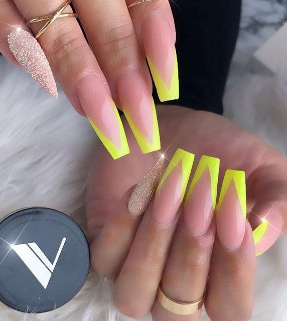60 Pretty Yellow Acrylic Coffin Nails to Express Your Personality