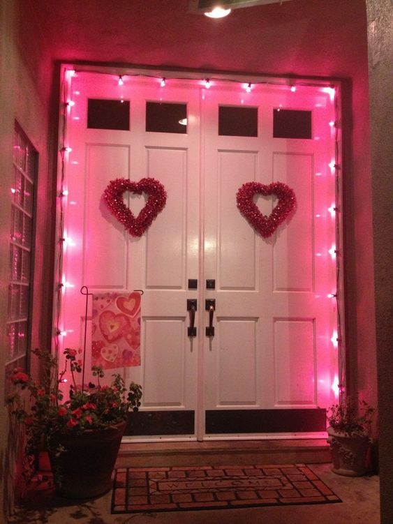 30 Romantic Valentine's Day Decorations You'll Love in 2020
