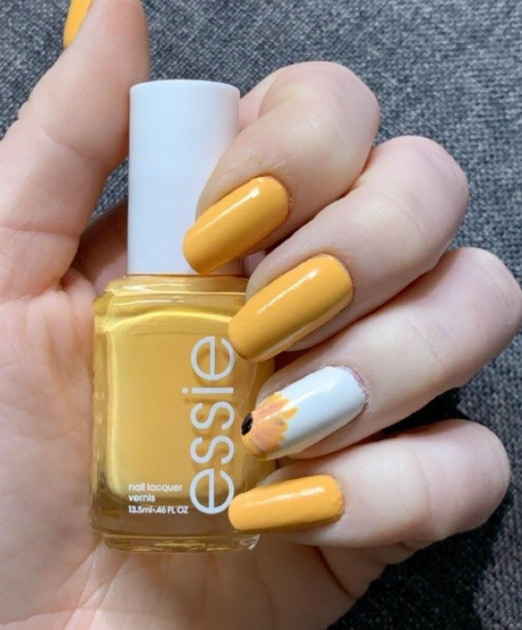 Trendy Sunflower Nail Art Designs for Summer