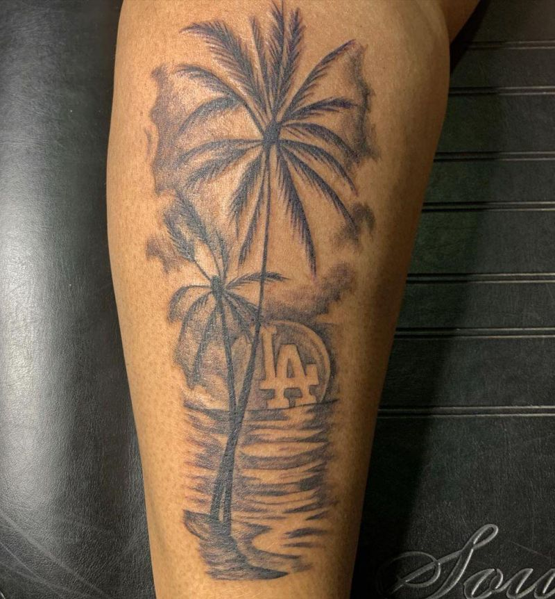 Pretty Palm Tree Tattoos will Make You Want to Try