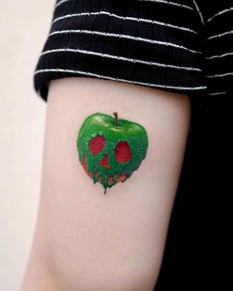 Pretty Apple Tattoos Give You Peace and Health
