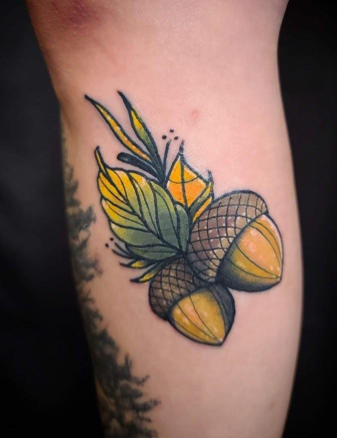30 Pretty Acorn Tattoos Enhance Your Personality