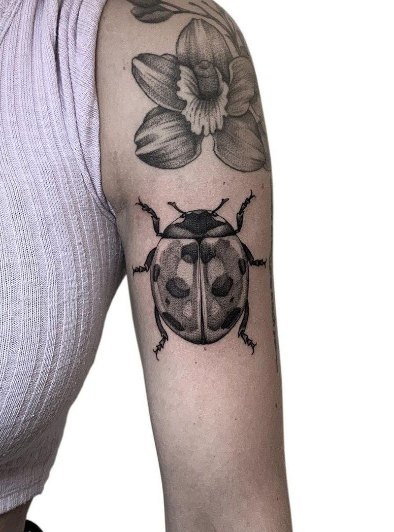 30 Pretty Ladybug Tattoos to Inspire You