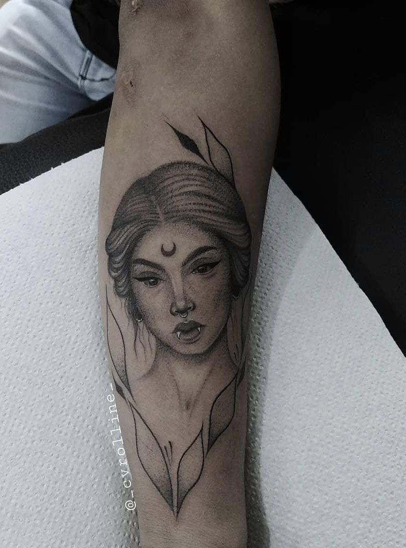 30 Pretty Vampire Tattoos to Inspire You
