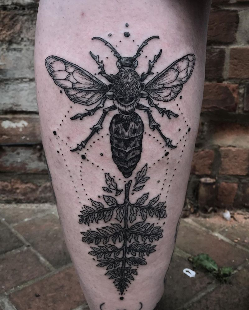 30 Pretty Wasp Tattoos to Inspire You
