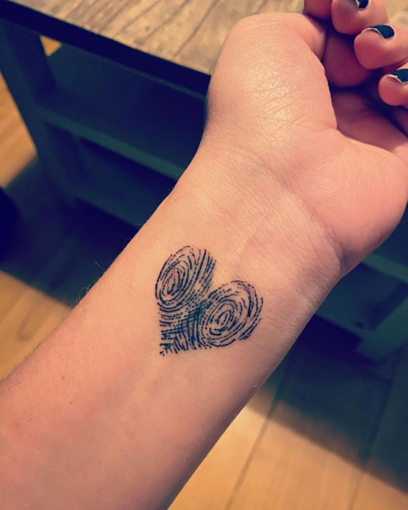 30 Pretty Fingerprint Tattoos Let You Remember The Most Important Person