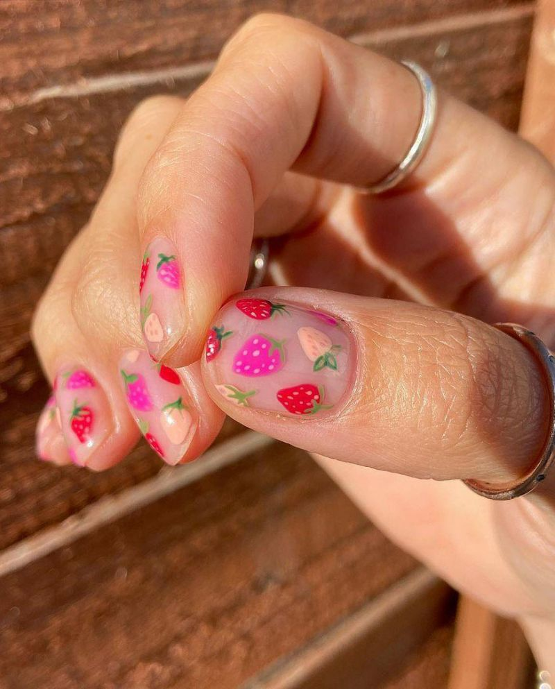 30 Trendy Strawberry Nails Make You Attractive